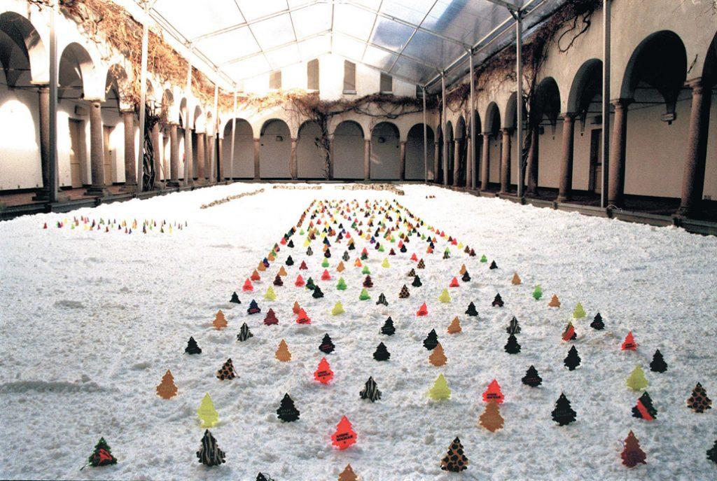 Salted - plantation - Cloître de glycines - Humane Society - Milan - 2003